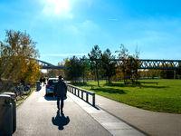 Polizeistreife im Park Gleisdreieck