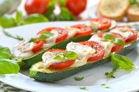 Baked zucchini Caprese
