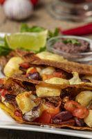 Nahaufnahme mexikanischer Tacos auf einem Teller