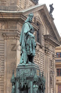 Karl der Große auf der Karlsbrücke