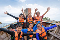 Traveler group that are large family enjoy on the boat