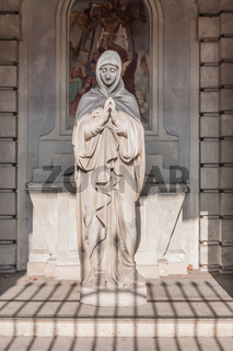 Statue of the Madonna