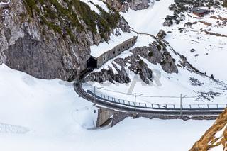 Gleise der Zahnradbahn auf den Gipfel des Wendelstein