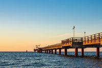 Seebrücke an der Ostseeküste in Prerow