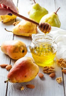 Pears with honey