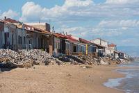 breakers threaten house construction