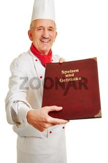 Koch präsentiert Speisekarte