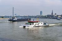 Level ship and river ship on the Rhine