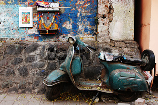 Old scooter parked at side of road, Pune, Maharashtra
