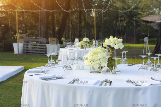 Dinning wedding table set with white lotus