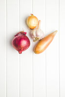 The golden shallot onion. Fresh bulbs.