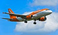 easyJet Airbus im Anflug auf Genf