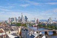 Skyline von Frankfurt am Main mit Hochhäusern