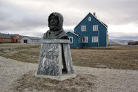Ammundsen Memorial, Svalbard