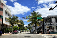 View along the famous vacation and tourist location on crossing Collins avenue and 11 street
