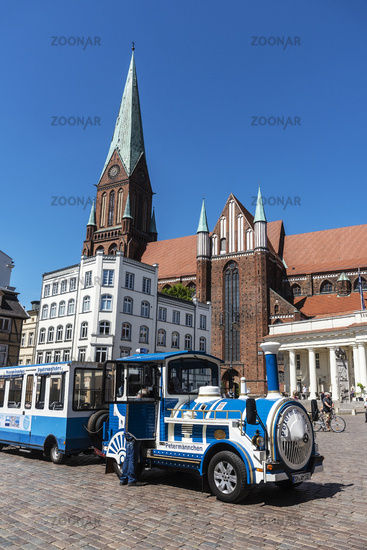 city tour, cathedral, market place, Schwerin, Mecklenburg-Western Pomerania, Germany, Europe