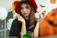 teenager girl halloween party