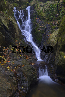 Kaskaden des Tonsai Wasserfall, Phuket, Thailand
