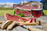 Snack with South Tyrolean bacon and wine