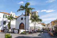 pavement cafe, restaurant, church, Funchal, Madeira, Portugal, Europe
