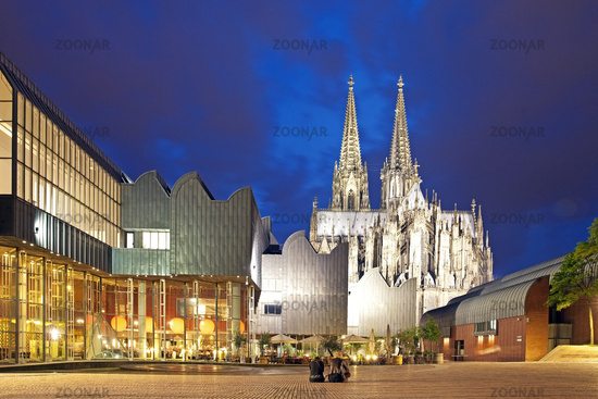 Museum Ludwig and Cologne Cathedral in the evening, Cologne, Rhineland, Germany, Europe