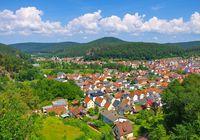 Schwalbenfelsen im Dahner Felsenland - Schwalbenfelsen rock in Dahn Rockland, Germany