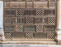 Front view of interleaved wooden arabisk wall - Mashrabiya, Cairo, Egypt