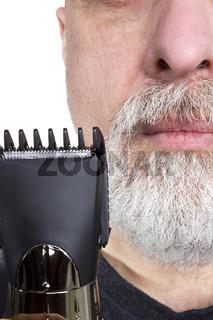 Man holding a razor