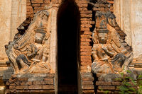 Guardian figure at the entrance to one of the Shwe Inn Thein stupas