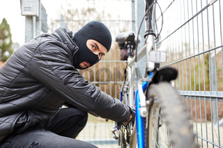 Fahrraddieb klaut Fahrrad