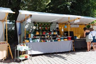 Potery market stall in Hackescher Markt in Mitte