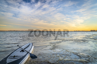 winter stand up paddling
