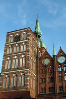 gothic St. Nikolai church, Nikolaichurch and facade of the historical town hall at Alter Markt