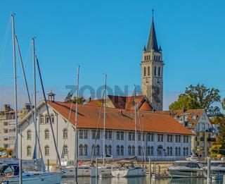 Hafen mit Museum 'Altes Zollhaus' und St. Johannes Romanshorn, Schweiz