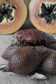 Schlangenfrüchte