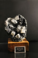 Apophyllite, Calcite, Stilbite, Chalcedony, Gargoti Museum, Sinner, Maharashtra, India.
