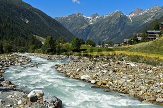 Flusstal der Lonza am Weiler Ried, Blatten, Lötschental. Wallis, Schweiz