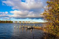 Eine Brücke zwischen Seeland und Moen in Dänemark