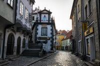 cesky krumlov town alley