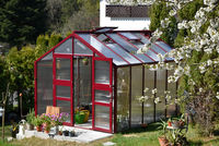 Gewächshaus im Frühling Garten Treibhaus
