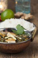 Indisches Murg Palak mit Reis