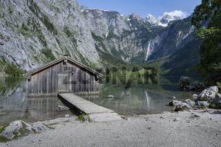 Schuppen am Obersee in Bayern, Deutschland, im Sommer