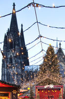 Christmas market at Cologne Cathedral, Cologne, North Rhine-Westfalia, Germany, Europe