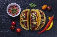 Tacos auf Schiefer