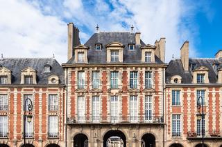 Blick auf den Place des Vosges in Paris, Frankreich