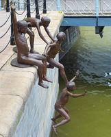 Children jumping river statue, Singapore