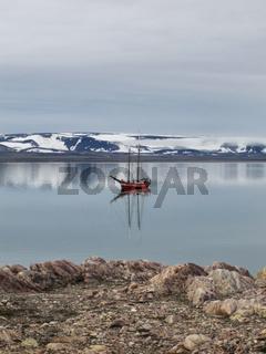 Segelschiff 'Noorderlicht' vor Spitsbergen