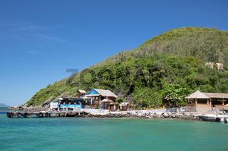 Con Sẻ Tre Tourist Village