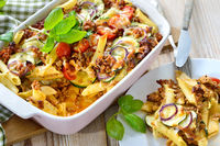 Pasta casserole with mince and vegetables