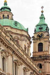 St.Nikolaus-Kirche auf der Kleinseite in Prag